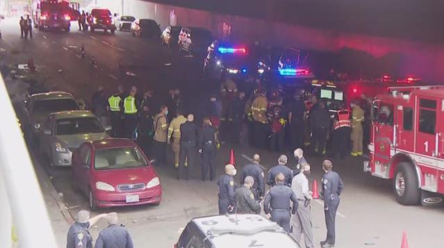 ABD'de araç yayaların arasına daldı: 3 ölü, 6 yaralı