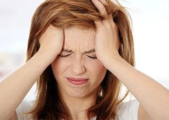 Aniden gelen şiddetli baş ağrısına dikkat