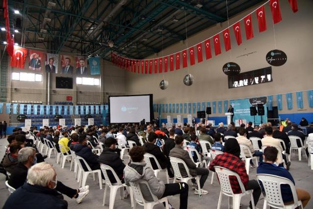Başiskele Belediyesi'nden spor kulüplerine malzeme desteği